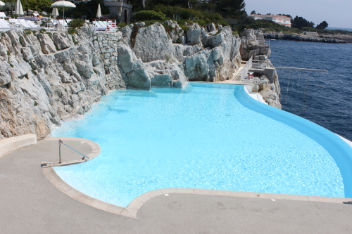 hotel du cap eden roc, swimming pool at hotel du cap eden roc